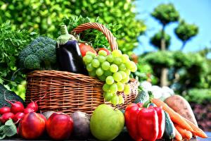 Картинки Овощи Фрукты Яблоки Перец Виноград Персики Корзины Пища