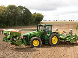 Картинки Сельскохозяйственная техника Трактор Зеленый 2006-09 John Deere 8530