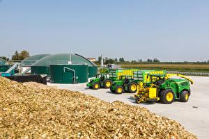 Картинки Сельскохозяйственная техника Трактор John Deere John Deere 8600i