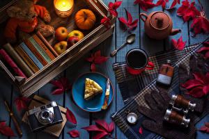 Фотография Яблоки Тыква Пирожное Плюшевый мишка Чай Доски Фотокамера Кружка Ложка Листья Пища