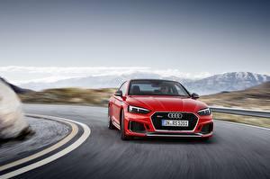 Фотография Audi Спереди Скорость Красный RS5 RS A5 Drive 2018 машины
