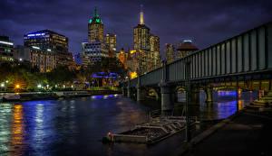 Обои Австралия Мельбурн Дома Речка Мосты Пристань Ночные Уличные фонари
