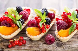 Фото Пирожное Фрукты Смородина Малина Три Пища