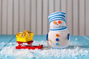 Фото Рождество Креатив Снеговики Шапки Санки Подарки Снег