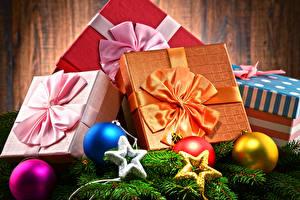 Картинки Рождество Подарки Бантик Шарики Звездочки