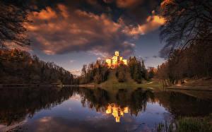 Картинка Хорватия Замки Озеро Вечер Небо Облака Отражение Trakoscan Castle and Lake