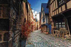 Фотографии Франция Здания Улиц Уличные фонари Dinan Brittany Города