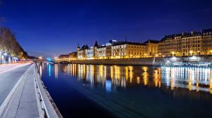 Фотографии Франция Дома Речка Париж Ночь Уличные фонари Водный канал