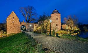 Фотография Германия Замки Дороги Вечер Уличные фонари Wasserburg Haus zum Haus