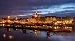 Фотография Германия Здания Речка Пирсы Уличные фонари Ночные Stralsund Города