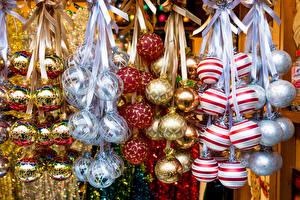Фотографии Праздники Рождество Много Шар Разноцветные