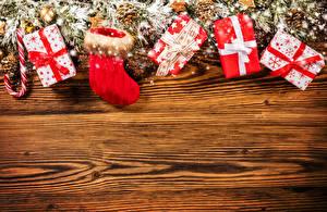 Фотографии Праздники Рождество Доски Сапоги Подарки