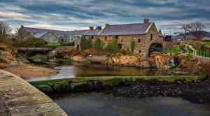 Обои Ирландия Здания Речка Мох Водяная мельница Annalong Corn mill Города