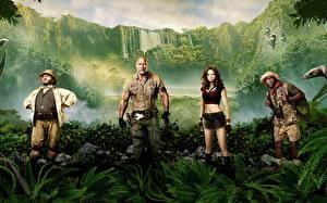 Обои Джуманджи: Зов джунглей Dwayne Johnson Карен Гиллан Мужчины Kevin Hart, Jack Black Знаменитости