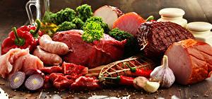 Обои Мясные продукты Ветчина Сосиска Чеснок Лук репчатый Перец