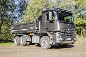 Фотографии Mercedes-Benz Грузовики Серый 2017 Arocs 2648 K Meiller Dreiseitenkipper