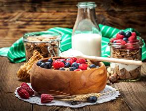 Фото Мюсли Молоко Ягоды Малина Завтрак Колос Бутылка Продукты питания