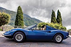 Фотография Ретро Pininfarina Синие Металлик Кабриолета Сбоку 1972-74 Dino 246 GTS con l'opzione Flares Worldwide машины