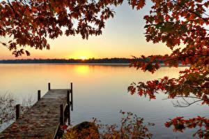 Обои Реки Причалы Осень Рассветы и закаты Ветки Природа