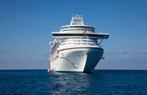 Фото Корабли Круизный лайнер Море Спереди