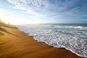 Картинка Шри-Ланка Побережье Волны Небо Пляж Природа