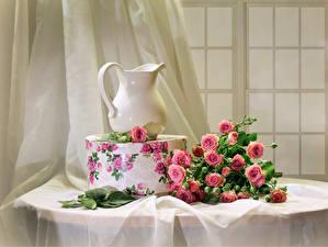 Обои Натюрморт Букеты Розы Кувшин Розовый Коробка Цветы