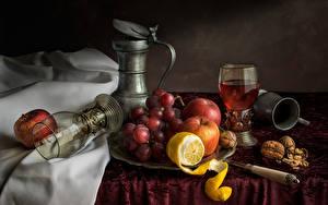 Фото Натюрморт Виноград Яблоки Лимоны Орехи Бокалы Еда