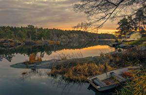 Картинки Швеция Речка Рассветы и закаты Берег Лодки