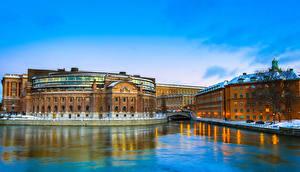 Обои Швеция Стокгольм Здания Речка Зима