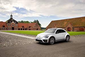 Фото Volkswagen Белая Купе 2016 Beetle R-Line Автомобили