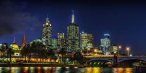 Фото Австралия Мельбурн Дома Речка Мосты Ночь Уличные фонари