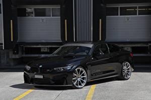 Картинки BMW Черные Металлик 2017 M4 Coupe Competition Package машина