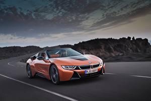 Обои BMW Оранжевый Кабриолет Движение Родстер 2018 i8 Автомобили картинки