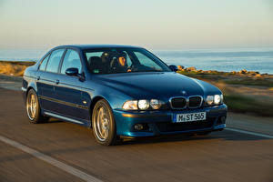 Обои BMW Ретро Синий Движение 1998-2003 M5 Worldwide Автомобили картинки
