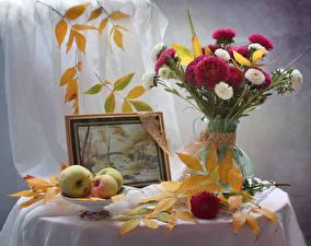 Фотография Букет Астры Натюрморт Осень Яблоки Живопись Листва Цветы