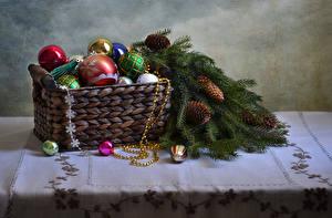 Картинка Рождество Ветвь Шар Корзина Шишки