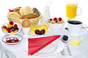 Фотографии Кофе Сок Мюсли Хлеб Завтрак Яйца Чашка Тарелка Пища