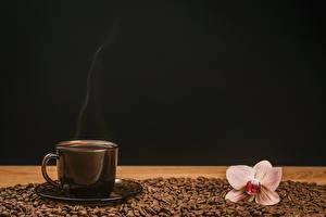 Картинка Кофе Орхидеи Чашка Зерна Черный фон Пища