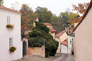 Обои Чехия Прага Здания Улица Уличные фонари
