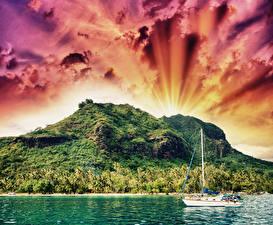 Фотография Французская Полинезия Тропики Гора Речка Парусные Небо Яхта Облачно Природа