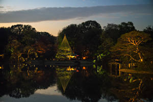 Картинки Япония Токио Парки Пруд Вечер Деревья