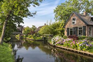 Картинки Нидерланды Здания Водный канал Giethoorn village Города