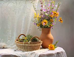 Фото Натюрморт Букеты Корзина Колокольчики Heliopsis Цветы
