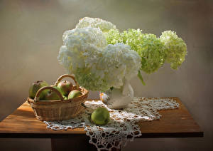 Фотография Натюрморт Гортензия Яблоки Стол Корзина Ваза Цветы Еда