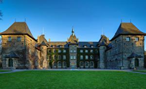 Фото Швеция Замки Газон Alnarp Castle