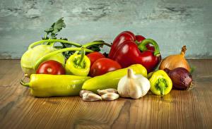Фотография Овощи Перец Чеснок Лук репчатый Помидоры Доски