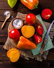 Фотографии Овощи Томаты Перец Ножик Соль Разделочная доска