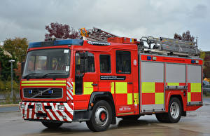 Картинка Вольво Пожарный автомобиль 2005 Retained Water Ladder Автомобили