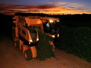 Фото Сельскохозяйственная техника Вечер 2015-17 Jacto K 3500