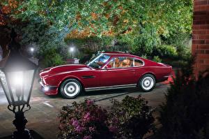 Картинки Aston Martin Ретро Красный Металлик 1977-89 V8 Vantage